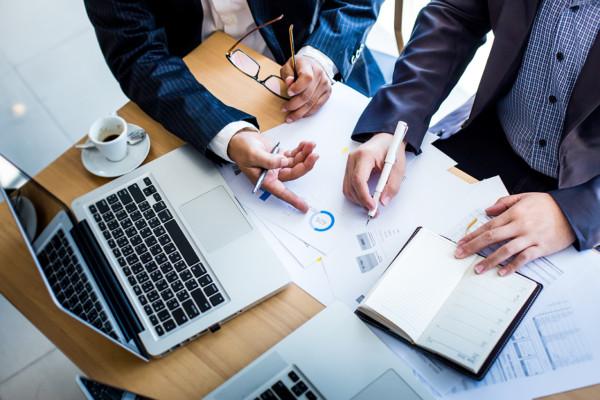 Cabinet à taille humaine, Expera Conseils a l'avantage de la réactivité avec une forte capacité d'adaptation aux souhaits et besoins de ses clients.